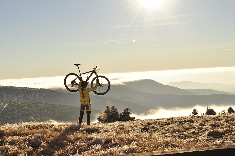 Češi jsou vášnivými cyklisty. Musí však myslet na kvalitní pojištění